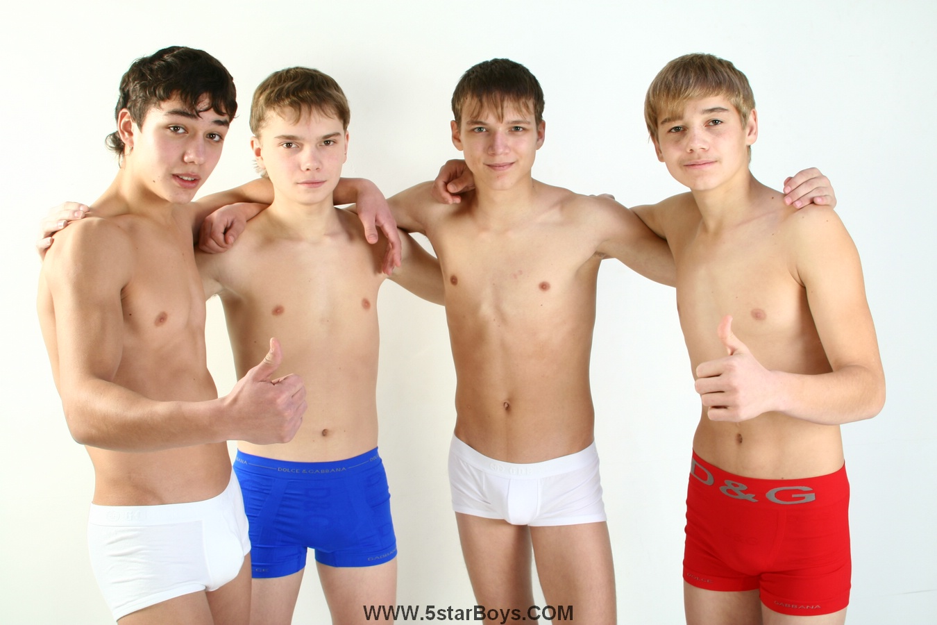 Free pics of Cute young russian boys nude and fucking their gay friends !